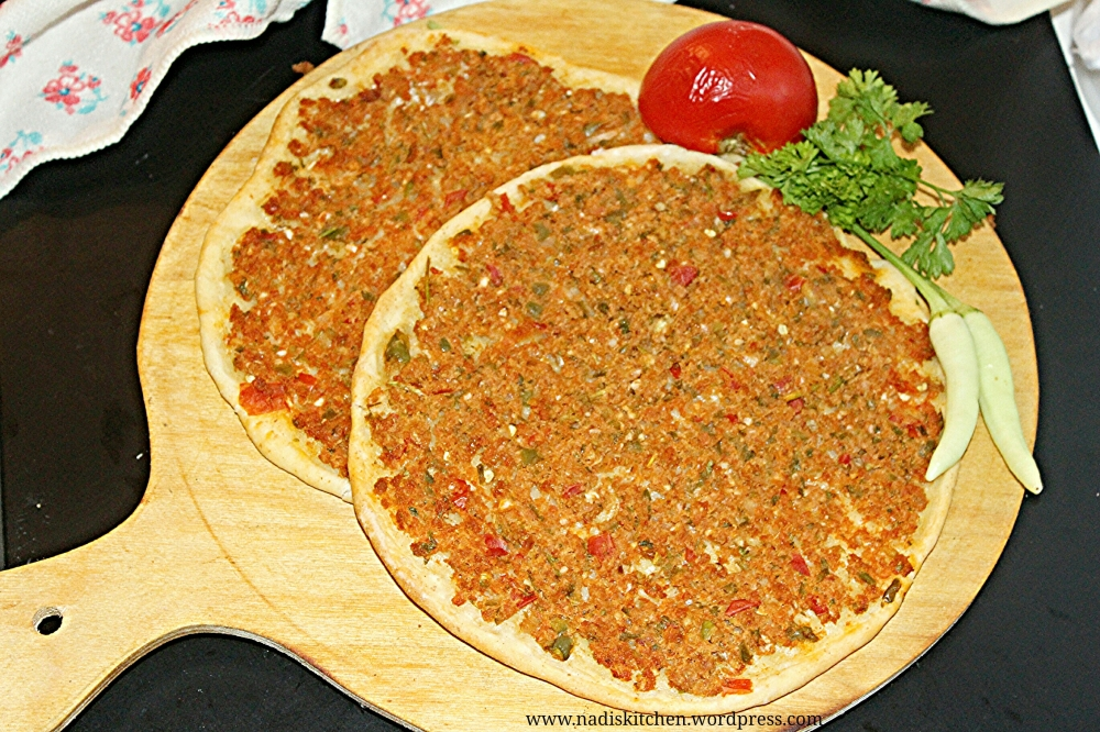 Lahmacun / Lahmajoon (Turkish Pizza)