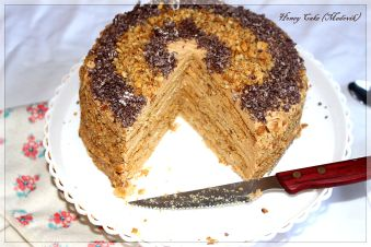 Honey cake (Medovik)