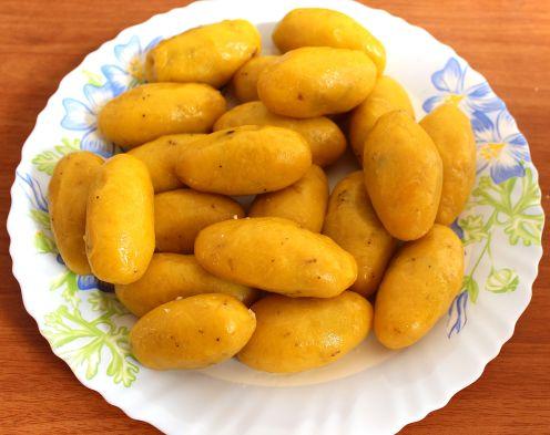 Kayi Ada/Unna Kaya(Stuffed Plantain-Fried)